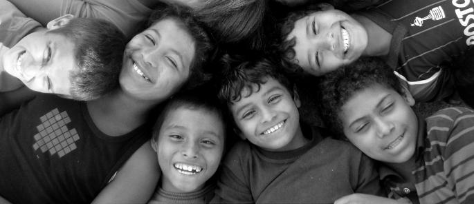 Des sourires sur des visages d'enfants